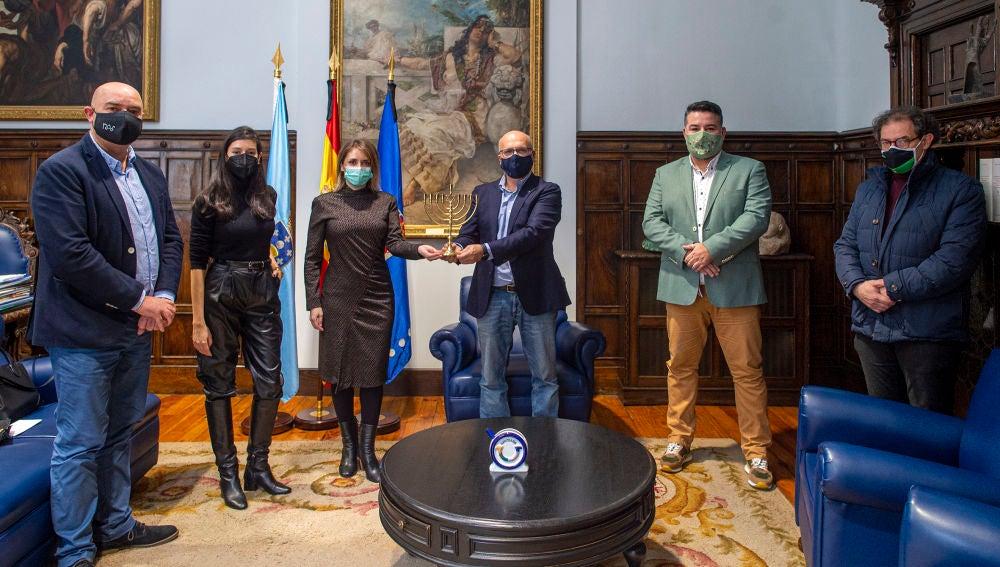 Acto de recepción da Minorah na Deputación de Ourense