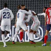 El Real Madrid somete al Atlético y aprieta la lucha por LaLiga