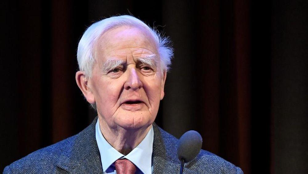 Muere el escritor John le Carré a los 89 años