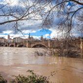 La crecida del Ebro por Zaragoza