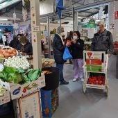 O Concello e os comerciantes da Praza de Abastos únense para incentivar a reciclaxe de aceite usado