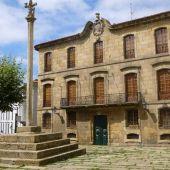 El Ayuntamiento de A Coruña reclama a la familia Franco la Casa Cornide tras entregar el Pazo de Meirás