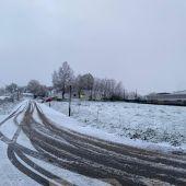 La nieve dificulta el tráfico en la N-VI y la A-6 en Montesalgueiro