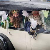 Los Reyes Magos llegan en coche a San Sebastián