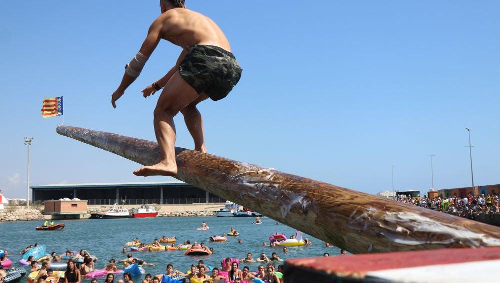 Las cucañas marítimas de Puerto de Sagunto se regularán con un ordenanza