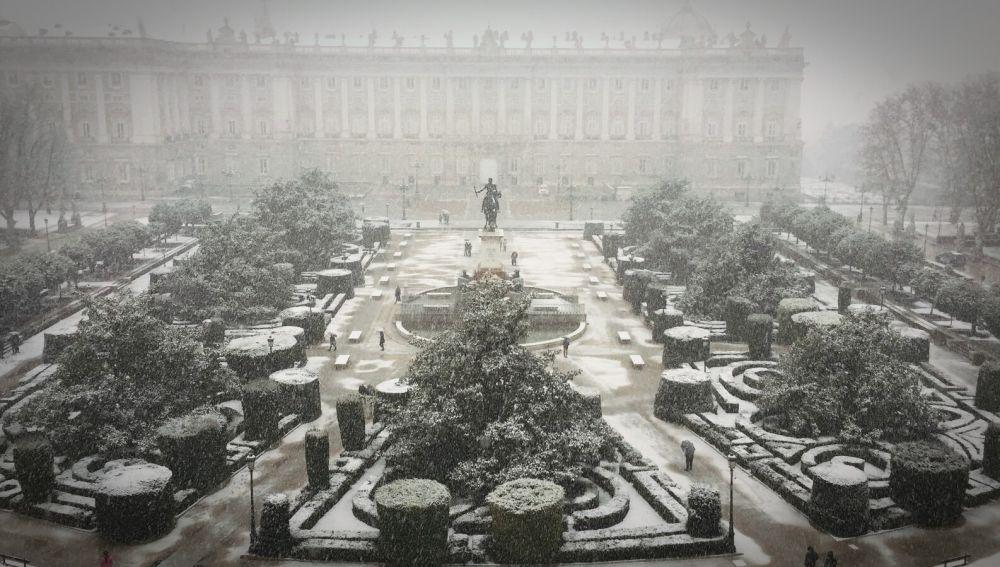 Vista del Palacio Real en la nevada que cayó sobre Madrid en 2018