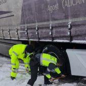 La Guardia Civil auxilia a un camionero de Agost