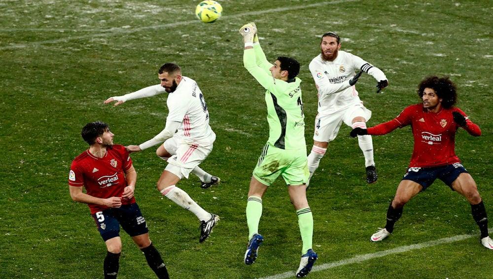 Osasuna y la nieve congelan al Madrid