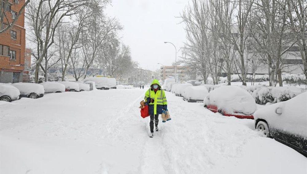 Nieve en Madrid, carreteras cortadas y estado del tráfico por el temporal  filomena en España | Onda Cero Radio