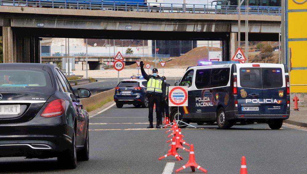 Control de Policía Nacional en el límite de Murcia capital con Molina de Segura