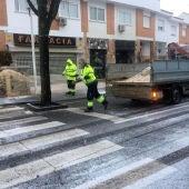 El Ayuntamiento ha repartido sal por la ciudad