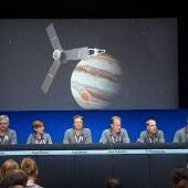 La sonda Juno sobrevuela Júpiter