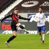 Luka Jovic marca con el Eintracht