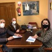 Velilla apoya el trabajo de AMGu con la firma de un nuevo convenio