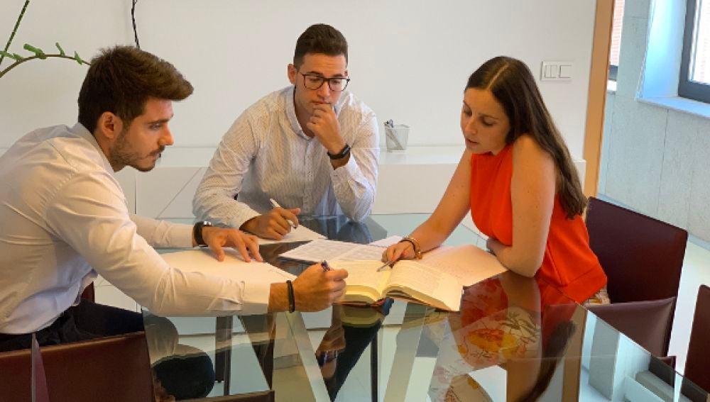La FUE-UJI mantiene vigentes más de 2.460 convenios de cooperación educativa con empresas que acogen estudiantes