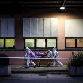 Se complica la situación en Portugal: dos sanitarios portugueses trasladan a un paciente en Sintra