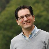 Esteban Gómez, presidente del Colegio de Enfermería del Principado