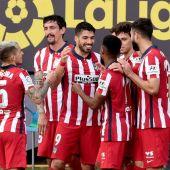 Los jugadores del Atlético de Madrid en el partido contra el Cádiz