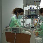 Enfermeras en el Hospital Universitario Marqués de Valdecilla de Santander