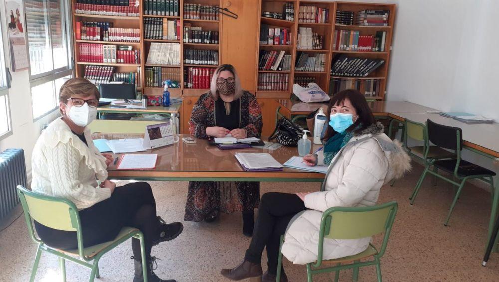 La concejala de Educación visita los colegios para dar a conocer la creación del Consejo Local de Infancia y Adolescencia