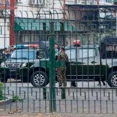 El Ejército de Birmania toma el control político del país durante un año y declara el estado de emergencia