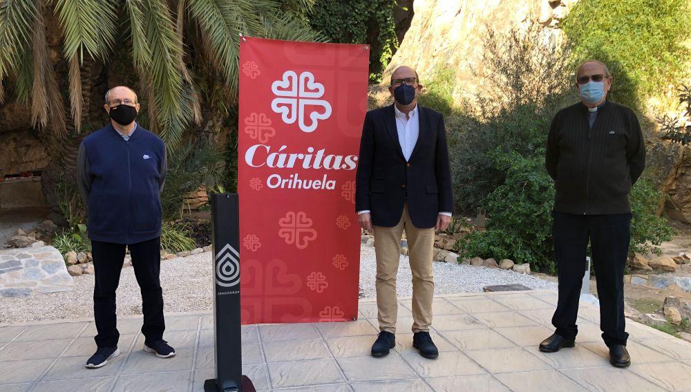 SensoDrop, dona a Cáritas y al Seminario Diocesano de Orihuela dos unidades para el uso en sus espacios públicos