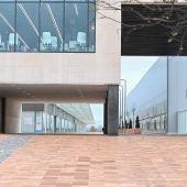 Acceso principal al Hospital Isabel Zendal, en Madrid.