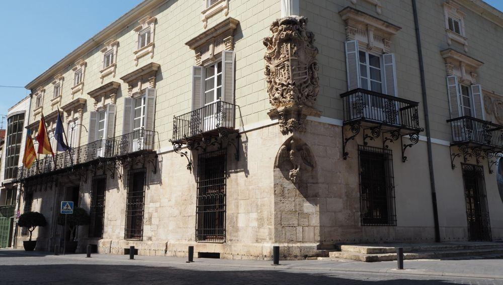 Representa el 15% del total y que se complementa con el 62,5% que aporta la Generalitat y el 22,5% de la Diputación Provincial de Alicante