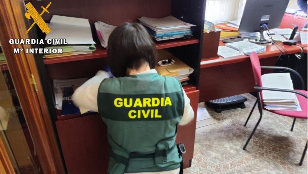 La Guardia Civil detiene a dos personas supuestos autores de 23 delitos de estafa, apropiación indebida y usurpación de estado civil