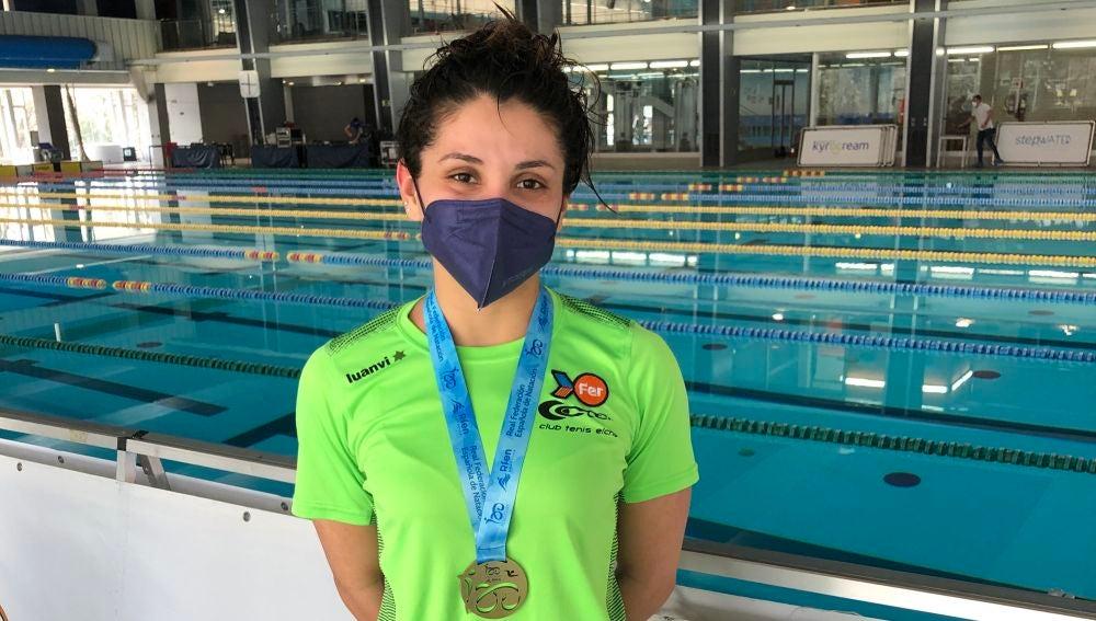 La nadadora Alba Herrero, campeona de España en la prueba de 5000 metros Junior 2.