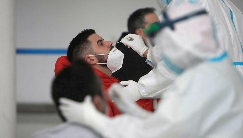 La pandemia deja más de 3 millones de fallecidos y 140 millones de contagiados en todo el mundo