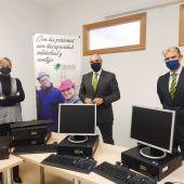 El Grupo Fundación San Cebrián recibe 10 equipos informáticos donados por Bankia