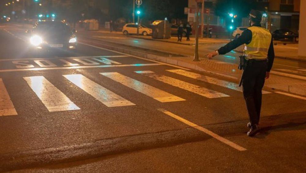 Policía Local dirige el tráfico tras el accidente