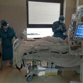 Unidad de Cuidados Intensivos del Hospital General Universitario de Elche durante la covid-19.