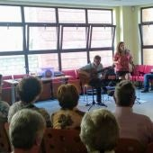 Actividad musical en el hogar de jubilados de Infiesto