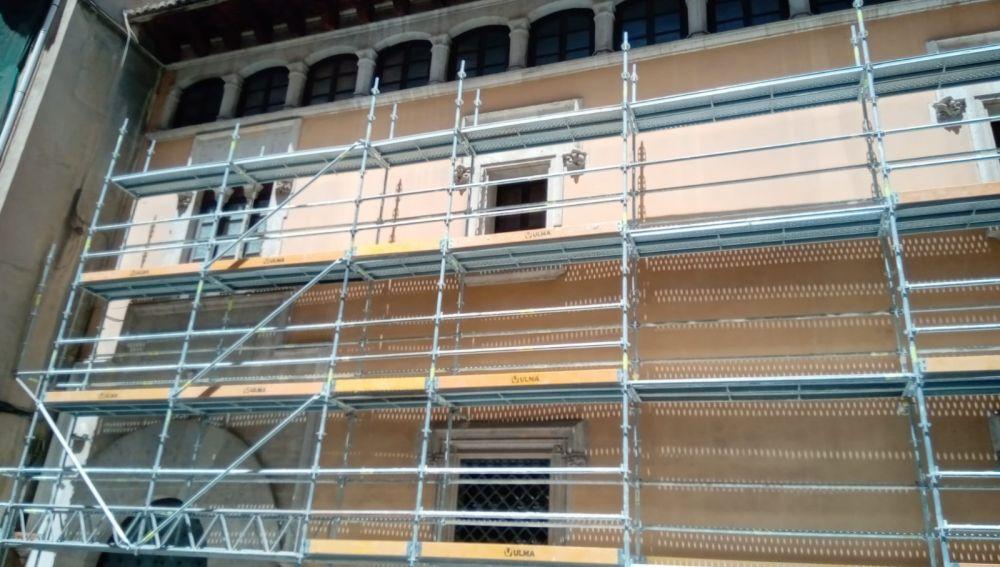 Termitas y filtraciones encarecen y retrasan la restauración de la casa natalicia de Sant Vicent