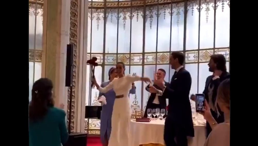 La boda sin mascarillas ni distancia social de un canterano del Real Madrid desata el enfado en las redes