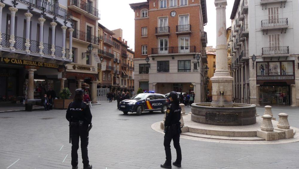 Policía en la Plaza del Torico