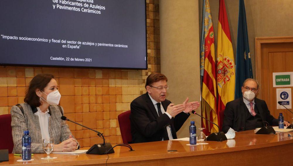 Reyes Maroto, Ximo Puig y Vicente Nomdedéu.