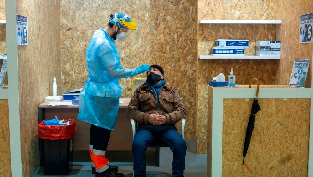 Nuevas medidas, restricciones en Galicia, confinamiento en Castilla y León, Madrid, Cataluña y últimas noticias del coronavirus hoy en España