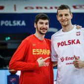 El jugador español Darío Brizuela, a la izquierda.