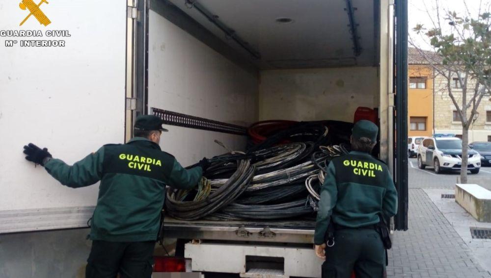 La Guardia Civil detiene a dos personas como supuestos autores de un delito de robo de cable de cobre y aluminio