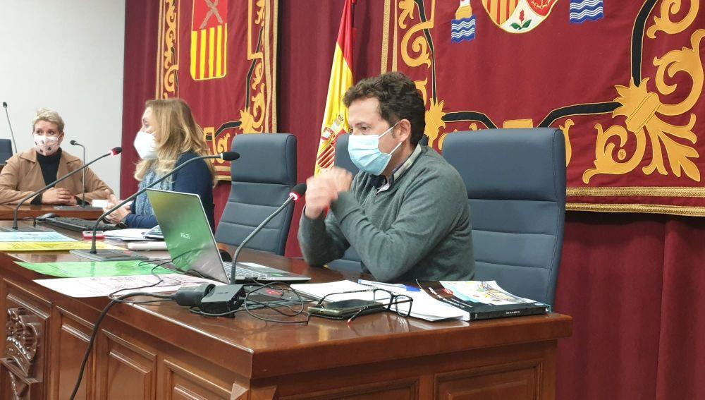 La Concejalía de Educación del Ayuntamiento de Almoradí realizó una formación para los equipos directivos de los cinco colegios de Primaria y docentes de 4º y 5º curso