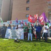 Concentración ante el Hospital Príncipe de Asturias