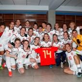 Las jugadoras de la selección española femenina celebran su clasificación para la EURO 2022.