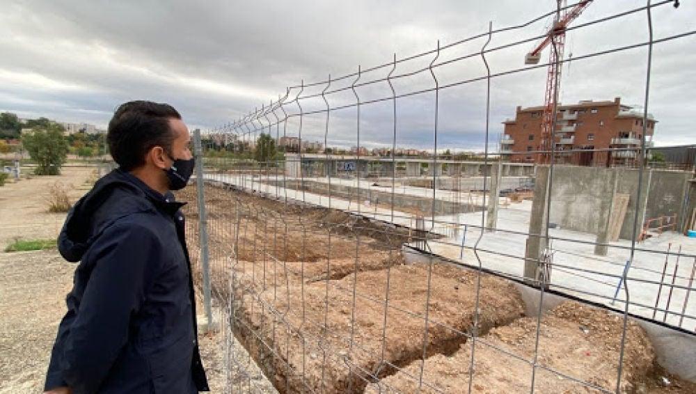 El PSOE de Badajoz asegura que la empresa de la piscina de la Margen Derecha ha despedido a varios trabajadores