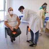 Equipo de vacunación en la gerencia de Alcázar