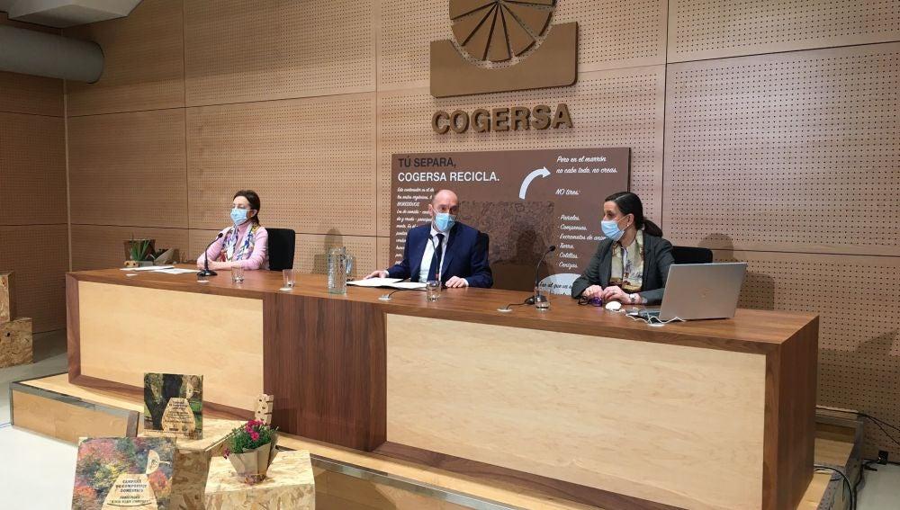 """El vicepresidente Cofiño apela a la responsabilidad de todos para alcanzar objetivos """"ambiciosos"""" en recogida selectiva"""