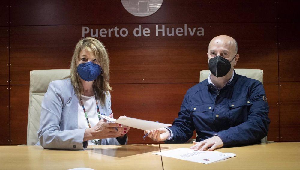 El Puerto de Huelva respalda el certamen 'Balcones cofrades' de la Hermandad de la Borriquita