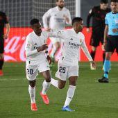 Vinicius y Rodrygo celebran el gol del Real Madrid